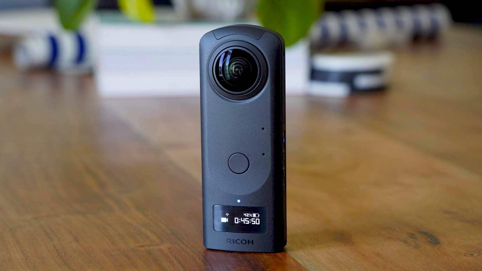 Theta Z1 de Ricoh se suma a nuestro inventario de cámaras 360°